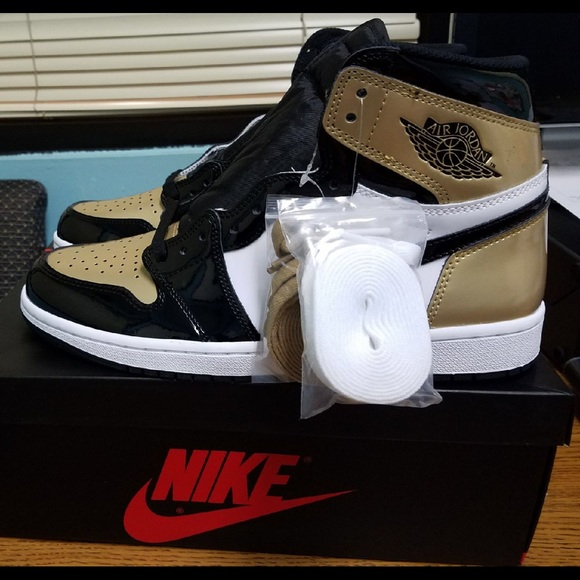 sneakers for cheap 66701 f02db Air Jordan 1, 2018 Gold Toe, Brand New, Dead Stock